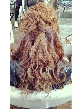 結婚式髪型ハーフアップ お花ハーフアップ♪