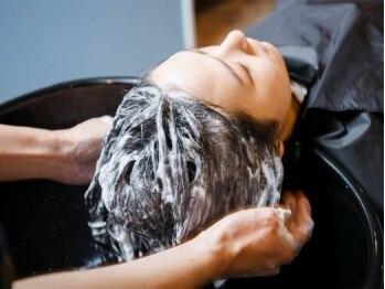 ソーエン 天神店(soen)の写真/きれいなStyleは頭皮ケアから☆髪ストレスの溜まりやすい季節の変わりめはヘッドスパで美髪をキープして♪