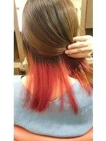 ヘアーメイク プリュム(Hair make Plume)インナーカラーのビビットレッド!!