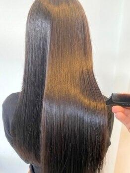 ボンズサロン(BONDZSALON)の写真/【独自開発の本格髪質改善縮毛矯正】が人気!どんな髪質のお客様でも柔らかく艶のあるストレートヘアに◎