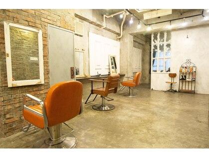 アーサス ヘアー デザイン 上野店(Ursus hair Design by HEADLIGHT)の写真