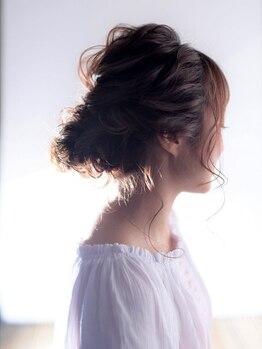 ヘアーアンドメイク シャンプー(hair&make shampoo)の写真/【ヘアアレンジ¥4400】ゆる可愛いヘアアレンジで女子力UP!プロの技でより華やかに可愛く変身♪