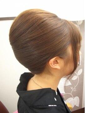 夜会巻きヘアアレンジ結婚式髪型 アップ