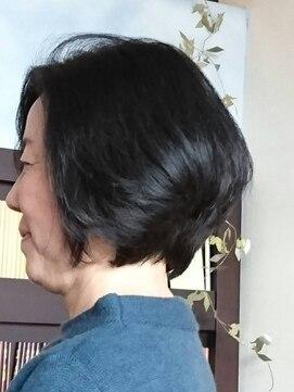 ヘアーカーブ(haircarve)haircarve丸みショート 黒髮ボブ