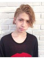 【メンズ・レディース別】面長な顔立ちの人に似合う髪型|エラ張り/顎が長い