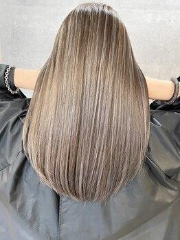 オリ('Oli)の写真/【地下鉄なんば駅9番出口直結】自然な質感で揺れるたび嬉しくなる、みんなに見せたくなるような美髪に♪