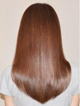 コムセボ(Comme C'est beau)の写真/大人女子にピッタリな自然なツヤ髪!!アレンジも楽しめ、自宅に帰ってからもサロンの仕上りが長続き♪