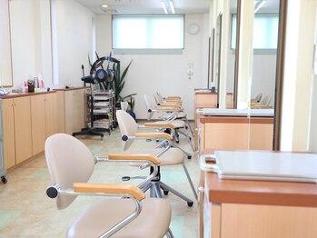 美容室フロンジュの写真/学生~シニアまで幅広い層から人気なのは高いカット技術&しっかり髪質を見極めて施術をしているから♪
