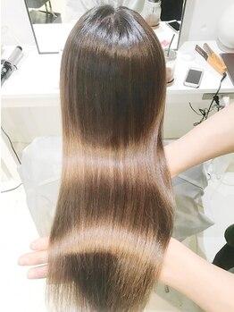 ファタン(FHATAN)の写真/髪質改善に特化!《話題のサイエンスアクア取扱い店》柔らかいサラ艶髪へ。思わず触れたくなる仕上がりに♪