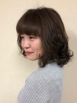 桜デコ(DECO)の写真/≪カット+パーマ¥6050≫ふわふわの立体感やくびれ感、質感で軽さと小顔を演出♪プチプラでイメチェンできる