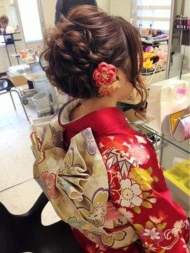 振袖髪型(成人式&結婚式) セットサロンスキーター SET SALON SKEETER成人式★ふわふわねじりアレンジ