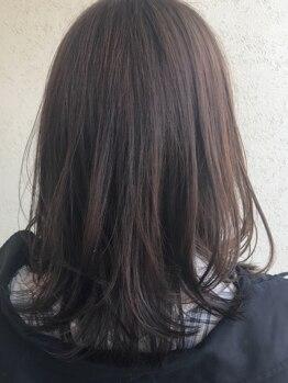 カーサ(Casa by JLB)の写真/様々な髪質に合わせて髪を美しい状態へと導く。一流の商材と豊富な知識をもつ優秀なStylistが的確にご提案