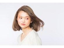 自然なストレートに髪質改善☆低アルカリ縮毛矯正で感動の艶と美髪を!