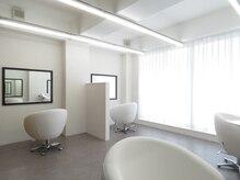 美髪クリニック エクシオール(Exsior)の雰囲気(白を基調とした洗練された空間でリラックスしていただけます。)