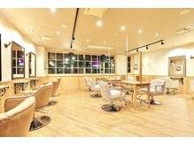 ソース ヘア アトリエ 京橋(Source hair atelier)の雰囲気(木を基調とした落ち着いた雰囲気の店内◆)