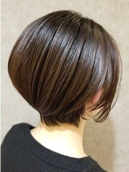ランプ(lamp)の写真/《反町駅2分》20時まで営業!髪や頭皮に優しいオーガニック使用でダメージレスに美髪へ♪理想の色味に◎