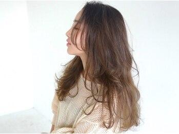 ヘアー メイツ ニューヨーク 学芸大学(Hair Mates NewYork)の写真/【6/12*リニューアルオープン】話題沸騰の「脱・白髪染め」はお任せ☆ファッションカラー感覚でお洒落に♪