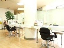 ヘアースタジオブランシェ 新川店(hair studio branche)の雰囲気(落ち着いた待合)