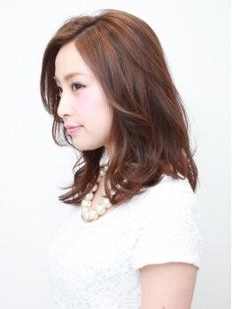 ヘアーハルレ(HAIR halre)の写真/【白髪の染まり、明るさ、美しい色持ちを実現】今までのぼかす発想から、これからは明るく染める時代へ☆