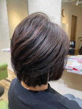 ヘアデザイン イルカ(Hair Design ilkA...)の写真/隠すのではなく、魅せるグレイカラーを。もっとお洒落に楽しく♪毎日キレイな髪をキープ◎色・艶も長続き☆