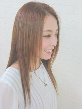 ヘアリッヂ 相模原店 hair Ridgeの写真/光の下で天使の輪が♪ムコタストレートはシアバター配合で髪に優しく、クセ・うねりをしっかり伸ばします!