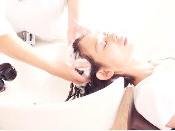 マリィズ 西院(Marry's)の写真/[COTAのヘッドスパ]プロの手技で疲れも改善☆あなたの髪のお悩みを改善してくれる究極のスパメニューあり◎