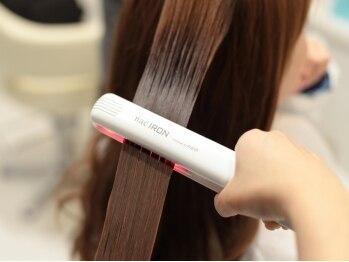 エメリ(emelie)の写真/超音波の力でトリートメントを髪の内部までしっかり入れ込み極潤の仕上がり♪ハリとコシのある美しい髪に