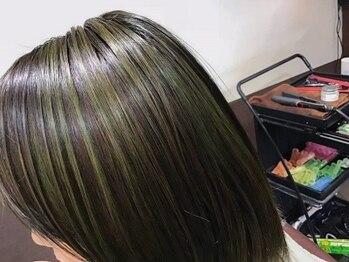 カットハウスアバ(ABba)の写真/薬剤の80%がトリートメント剤で◎染めるたびにうるツヤ髪になれる♪気になりだしたグレイカラーも大人気