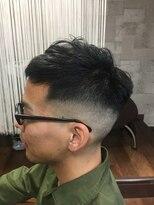 スウィニートウキョウバーバー(SWEENEY TOKYO BARBER)くせ毛を生かした刈り上げ君