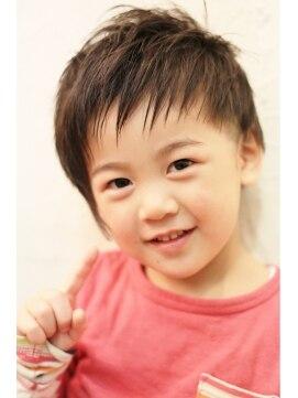 ディスアンドザット あびこ店(THIS&THAT)KIDS 3歳 年少さんでもできるアシンメトリー スタイル