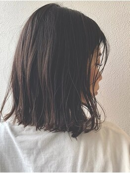 ファーストエンド 三ツ屋店(1st END.)の写真/ナチュラルな仕上がりが好評☆ストレートでも髪の水分を逃がさない!今までよりもサラツヤUPを叶えます♪