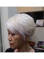 ガーデン ヘアー ワーク(garden hair work)白+ショート=素敵!!