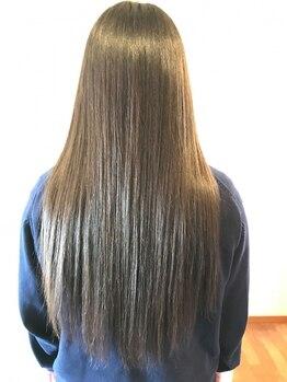 ナディ(nadi)の写真/自然なストレートへ。21種類の植物美容オイルを配合した髪に優しい商材を使用♪仕上がりの質感も◎