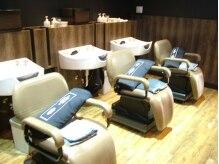ヘアーアンドメイク トゥルース 五香店(Hair & Make TRUTH)の雰囲気(ゆったりとしたシャンプーブースで癒しの空間をご堪能下さい。)