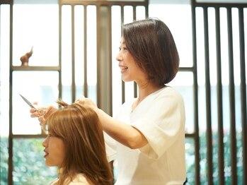 ヘアメイク クリア 本店(hair+make CLEAR)の写真/女性スタイリストならではのスタイル提案!安全、安心丁寧な接客で居心地のいい空間です*