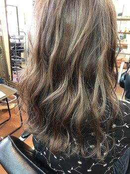 ハウオリ ヘアーワークス(Hauoli hair works)の写真/髪がダメージを受けにくいこだわりのカラー材を使用◎髪と頭皮に優しい薬剤も取扱い有!お気軽に相談下さい