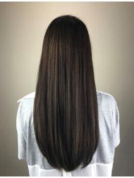 シークプラス(SheCu+)の写真/今までかけてきた縮毛矯正との違いを実感できると話題♪自然な柔らかさでリピーター続出。ツヤ感&潤いUP!