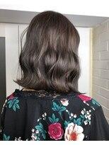 ヘア プロデュース キュオン(hair produce CUEON.)medium × 艶カラー