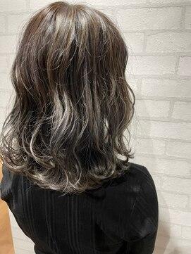 ビス ヘア アンド ビューティー 西新井店(Vis Hair&Beauty)ミディアム/ボブ/アッシュ/グレージュ/ブリーチ/プラチナ/小顔