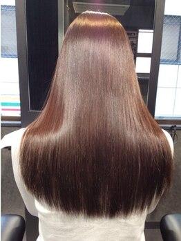 縮毛矯正専門店 高難易度縮毛矯正美容専科の写真/40代50代の白髪染毛も縮毛矯正できます!美しいストレートは年齢-10歳に♪矯正後の白髪染、カラーも対応★