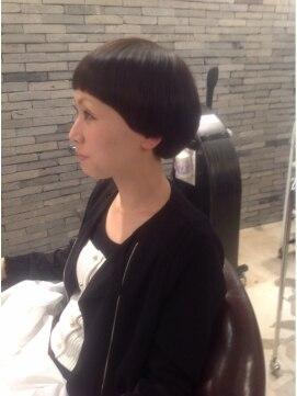 ピカイチ 上通店(pikA icHi)黒髪個性的モードボブ