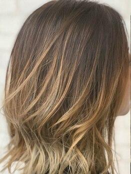 美容室 アイシー(ai-sy)の写真/ブリーチやハイライトを入れた髪、ダメージにムラのある髪、他店で施術を断られた髪でもお任せ下さい♪