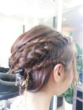 結婚式 髪型 ショートボブ ヘアアレンジ  ヨーロピアン風編み込みアップスタイル♪