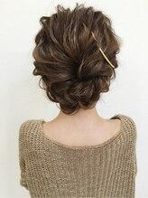 クラウン ヘアー(CLOWN hair)人気のまとめ髪ヘア
