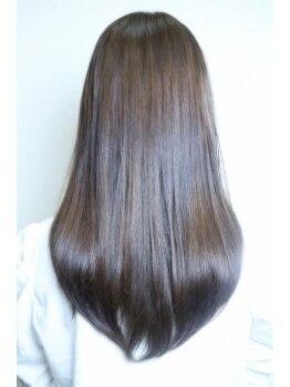 フリーズ 千鳥橋店(Freez)の写真/【ケラスターゼ取扱い認定サロン♪】髪の悩みをもつ大人女性にこそ使ってほしい!驚きの質感へと導きます♪