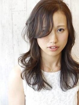 ヘアーメイクリベルテ(Hair Make Liberte)の写真/『髪色で年齢をコントロール♪』白髪をカバーするデザインカラーが人気!大人女性のお悩みもしっかり改善◎