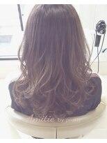 アンティエバイプレッティ(Amitie by pretty)イルミナカラーフォレスト×ロング巻き髪