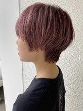 ページヘアー(PAGE HAIR)コーラルピンク 小顔丸みショートボブ