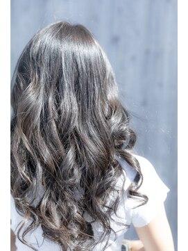 ヘアーメイク ダンス(hair make DANCE)【外国人風カラー】バレイアージュ+グレー系カラー