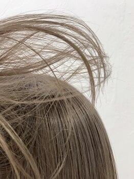 ロマリア(Lomalia)の写真/日本人の髪に合う透明感を追求。暗くても透けるグレージュ、赤味/黄味も消すグレージュも実現[表参道/原宿]